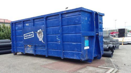 PUM PlastiquesBenne recyclage-jpg