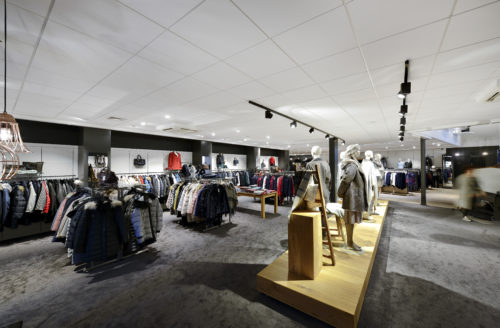 EurocousticBoutique De Vries Modegroep Barneveld Pays Bas 03credit Luc Seresiat-jpg