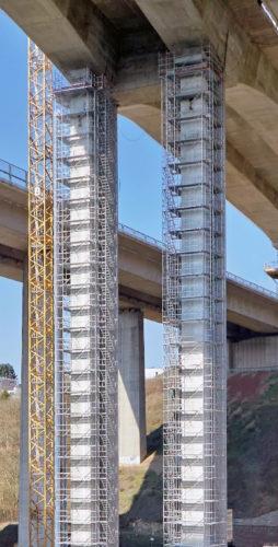 Les echafaudages sur piles de pont-jpg