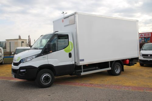 Camion Iveco GNV - SGDB France.jpg